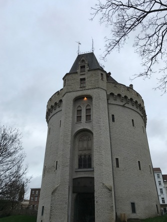 A handsome Belgian castle about 10 mins away from Brussels-Zuid station.
